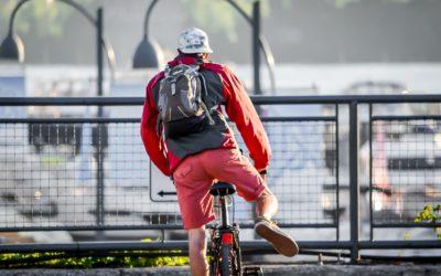 Il sauve la vie d'un cycliste grâce à un défibrillateur cardiaque !